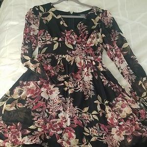 Modcloth black floral longsleeve dress M